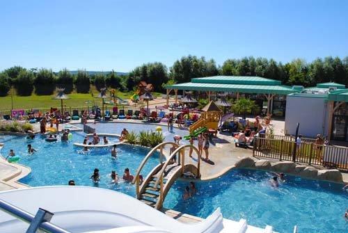 camping_proche_futuroscope_piscines