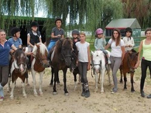 fun-activities-visits_poney_club