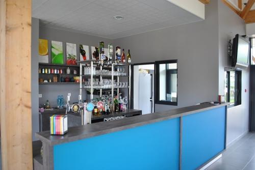 services-bar