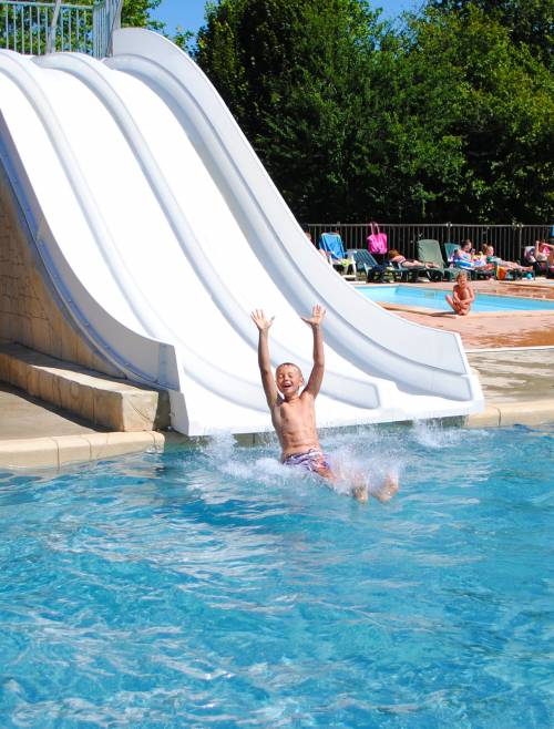 home_en_waterpark_slide